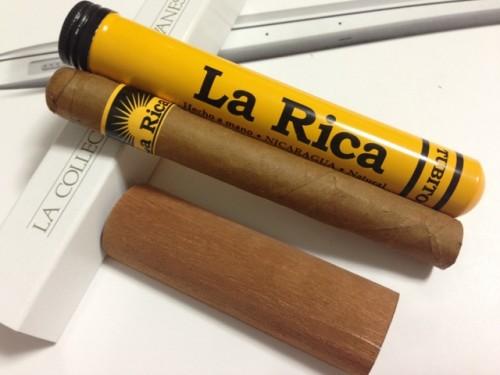 LA_RICA-TUBITOS02